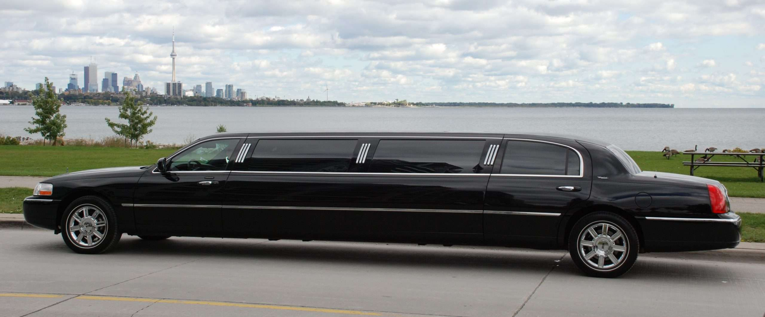 Travel in Style With Luxury Limousine Transfers